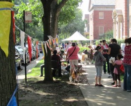 8 Block Clubs, 200 Households Come Together For Edgewater's Epic Garage Sale