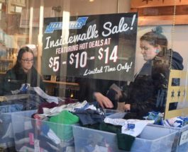 Andersonville Entices Shoppers With Deals At This Weekend's InSidewalk Sale