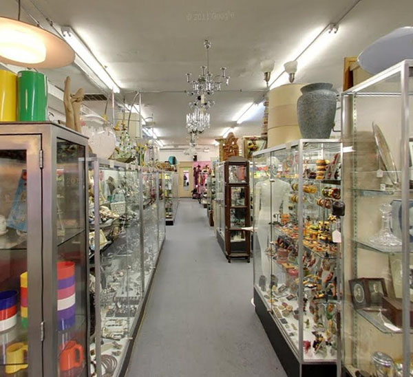 7 Edgewater/Andersonville Antique Stores Rank In Foursquare's Top 13 In Chicago