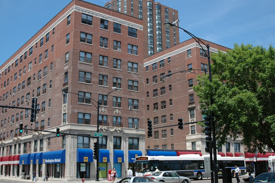 233-Unit Sheridan And Foster Apartment Building For Sale