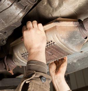 Catalytic Converter Thieves Are Working Edgewater With Particular Vehicles In Mind