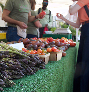 Andersonville Farmers Market Reopens With Online Ordering
