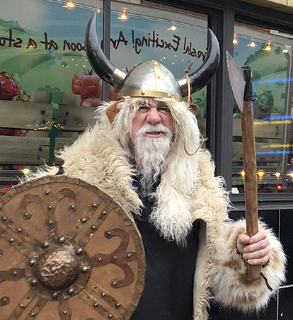 Andersonville Kicks Off The Holiday Seasons With Vikings Abound